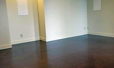 Living Room, 931 Nevada St, 2