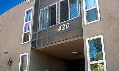 Building, 420 Burchett St, 1