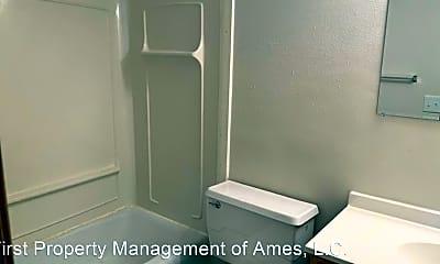 Bathroom, 218 N Hyland Ave, 1