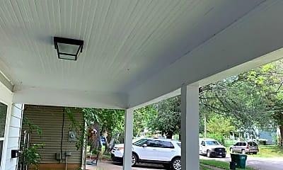 Building, 804 W Locust St, 1