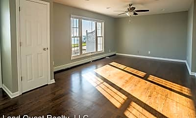 Living Room, 4025 Sheridan Rd, 0