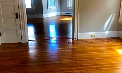 Living Room, 1032 Main St, 1