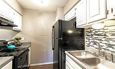 Kitchen, 4720 Wellesley Ave, 2