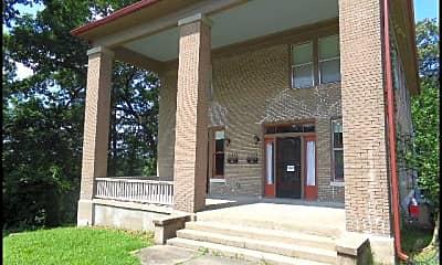 Building, 2430 S Louisiana Street, 1