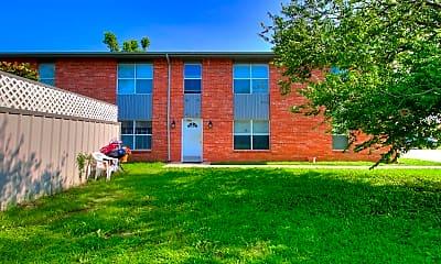 Building, 511 W Fox Ln, 1