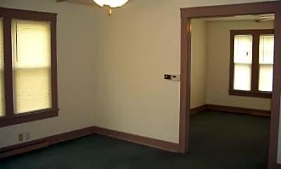 Building, 318 W Calhoun St, 1