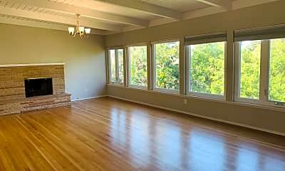 Living Room, 2239 Mira Vista Dr, 2