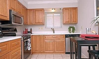 Kitchen, 6632 Alamo Ave 2E, 1