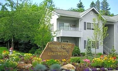 Arthur Court, 0