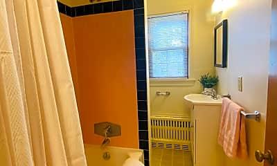 Bathroom, 164 E McCormick Ave, 2