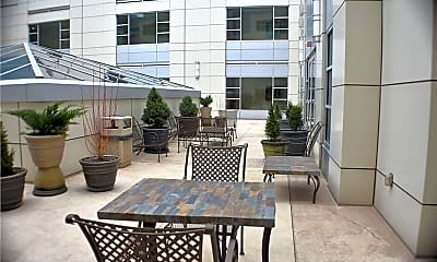 Patio / Deck, 301 Fifth Ave 511, 2