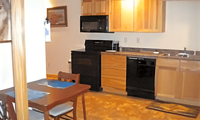 Kitchen, 927 Cedar St, 2
