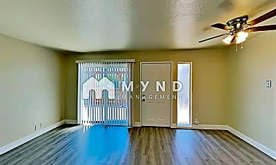 Living Room, 518 Lincoln Rd E, 1