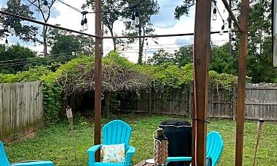 Patio / Deck, 100 White Pine Ct, 2