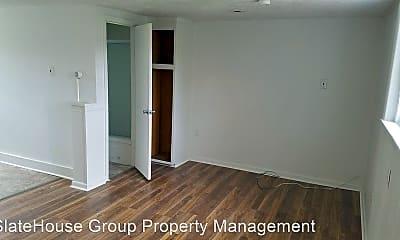 Bedroom, 534 W Market St, 1