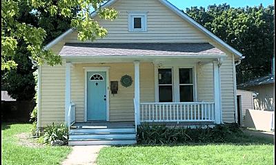 Building, 721 N 1st St, 0