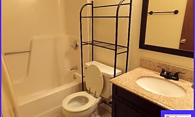 Bathroom, 11 Oak Forest Drive, 2