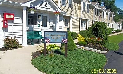 Meadowbrook Apartments, 2