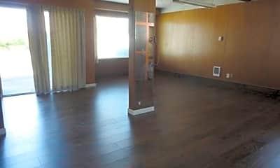 Living Room, 2814 Burnett Ave N, 2
