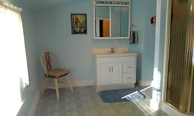 Bathroom, 2020 53rd St, 2