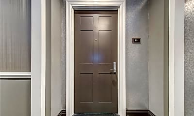 Bathroom, 301 Franklin Ave 102, 1