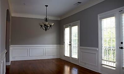 Living Room, 9004 Woodland Trail, 1
