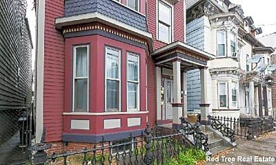 Building, 221 Saratoga St, 1