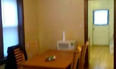 Living Room, 1239 N Austin Blvd, 2
