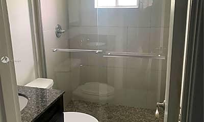 Bathroom, 37 SW 14th St 17, 1