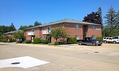Building, 29665 Utica Rd, 0