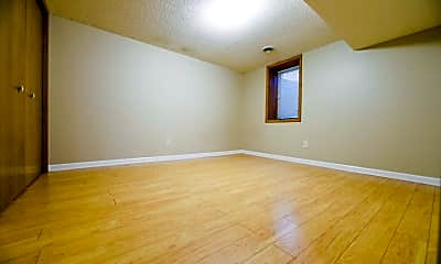 Bedroom, 13113 Irving Ave, 2
