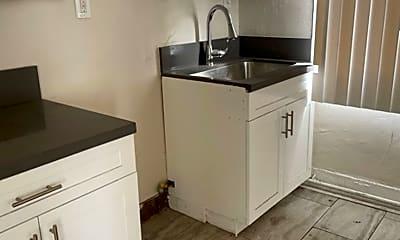 Kitchen, 2906 San Pedro St, 1