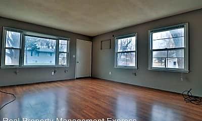 Living Room, 712 W McClellan Street, 1