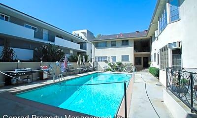 Pool, 8222 De Longpre Ave, 2