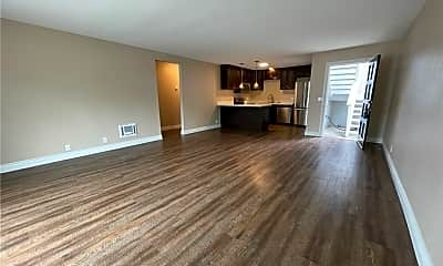 Living Room, 33751 Robles Dr A, 1