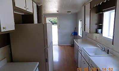 Kitchen, 2484 Waltz Ave, 1