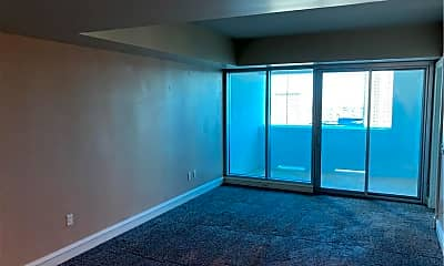 Living Room, 2700 S Las Vegas Blvd 1705, 1