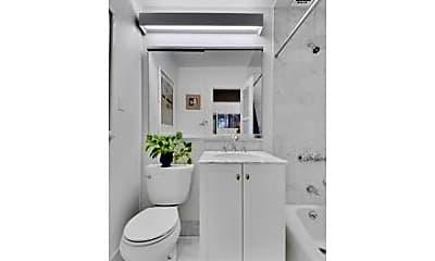 Bathroom, 154 W 15th St, 2