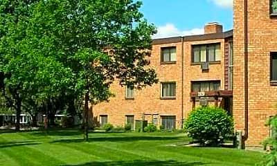 Wingate Apartments, 1