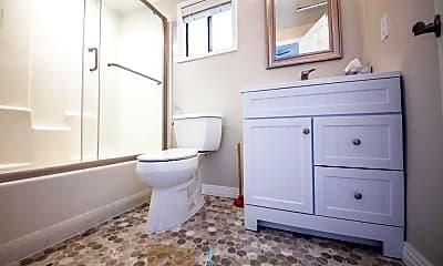 Bathroom, 1020 Coast Blvd S, 2