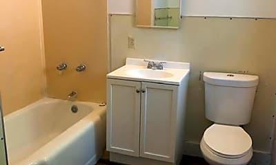 Bathroom, 1661 Slater St, 2