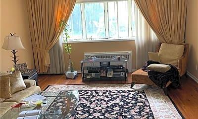 Living Room, 629 Pierce Pl, 1