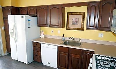 Kitchen, 2 Oxford Rd 327, 1