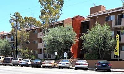 Building, Queen Street Apartments, 1