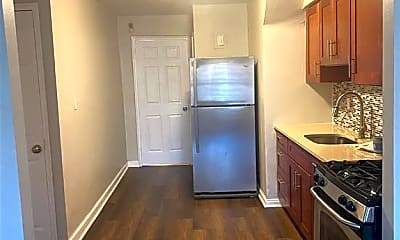 Kitchen, 1136 E 214th St 1, 1