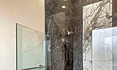 Bathroom, 320 Feliks Gwozdz Pl, 2