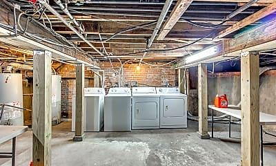 Bathroom, 429 NW 11th St, 2