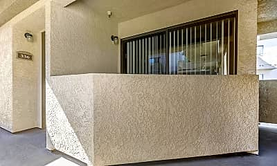 Glenoaks Terrace Apartments, 2