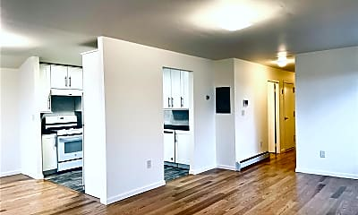 Living Room, 60-16 80th Ave 3FL, 1