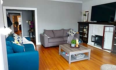Living Room, 3926 N Monticello Ave, 1